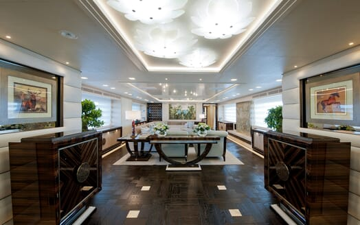 Motor Yacht Scorpion salon
