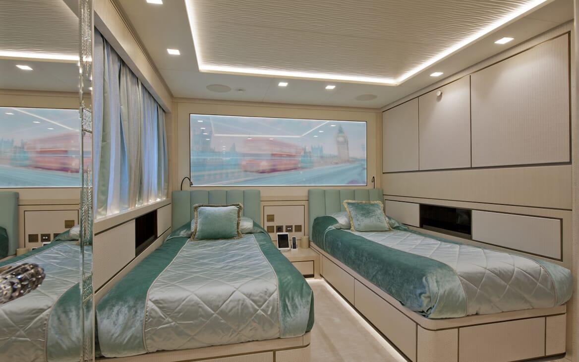 Motor Yacht Scorpion twin cabin