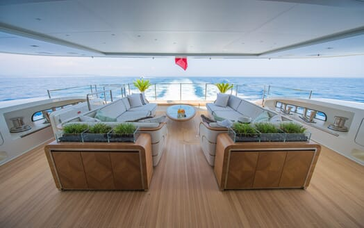Motor Yacht Scorpion deck