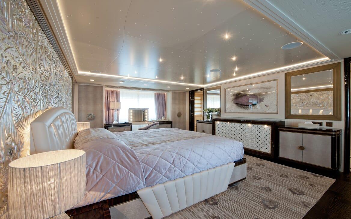Motor Yacht ScorpionVIP stateroom