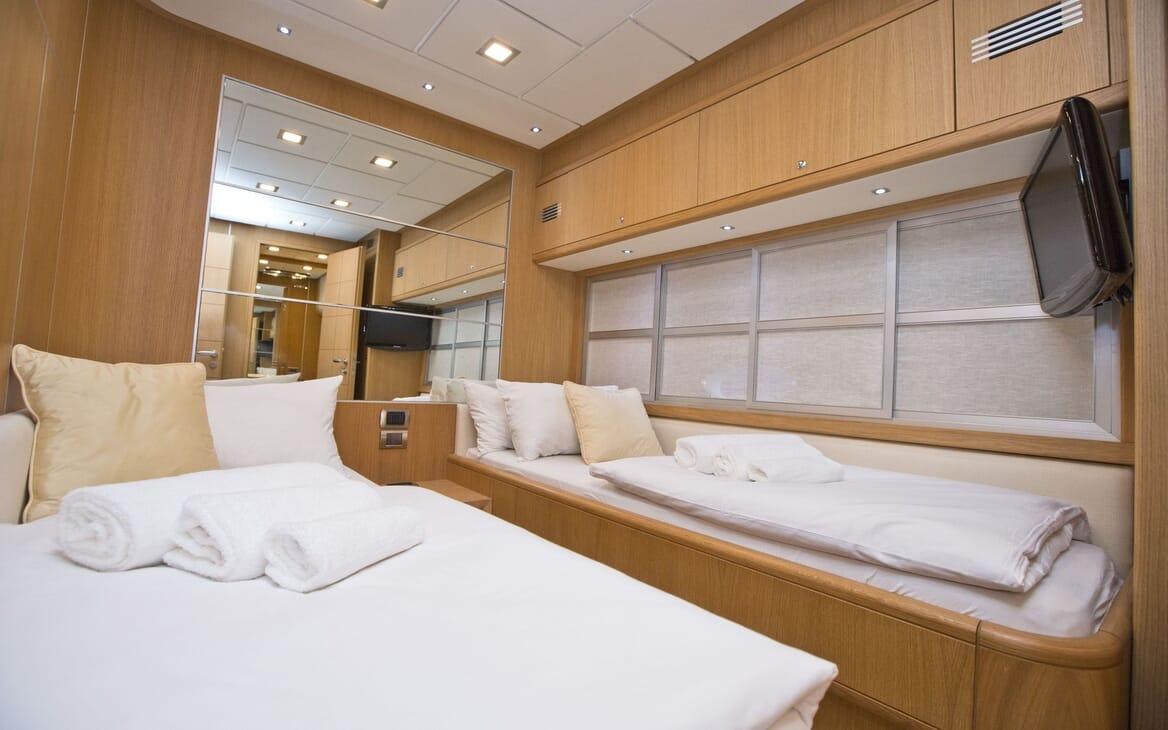 Motor Yacht Malibu twin cabin