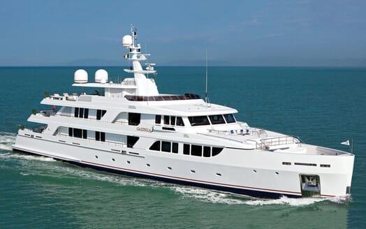 Motor Yacht GAZZELLA Profile Underway