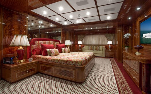 Motor Yacht GAZZELLA Master Stateroom