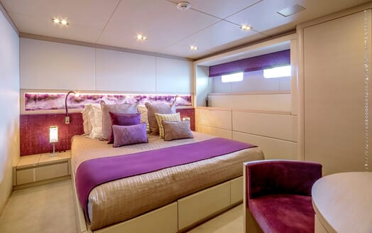 Motor Yacht PHILMX Guest Double Stateroom