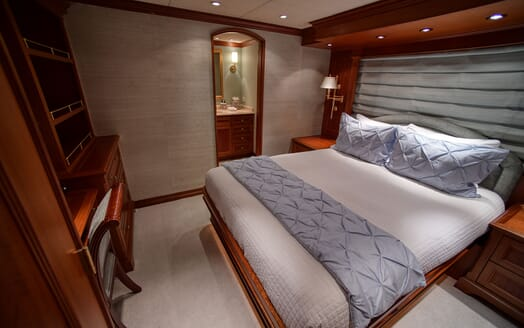 Motor Yacht T-ZERO Guest Double Stateroom
