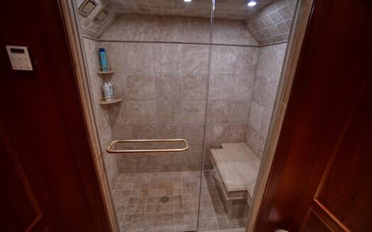 Motor Yacht T-ZERO Guest Shower