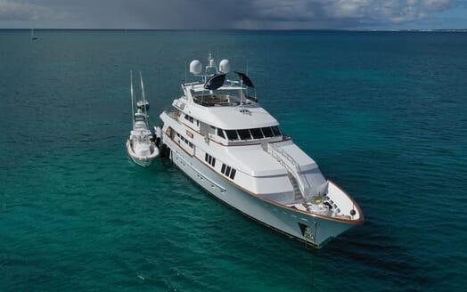 Motor Yacht T-ZERO Exterior Bow