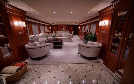Motor Yacht T-ZERO Main Saloon