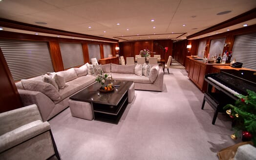 Motor Yacht T-ZERO Main Saloon and Dining Table