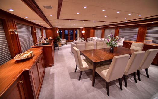 Motor Yacht T-ZERO Dining Table and Main Saloon