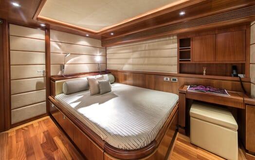 Motor Yacht Anne Marie guest cabin