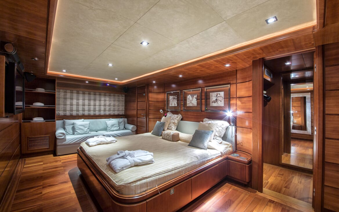 Motor Yacht Anne Marie stateroom