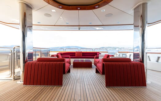 Motor Yacht Panakeia deck