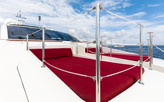 Motor Yacht Panakeia exterior