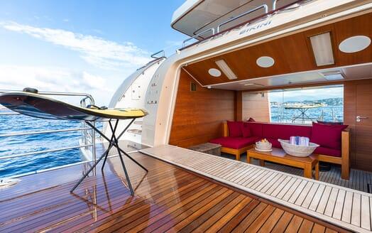 Motor Yacht Panakeia aft
