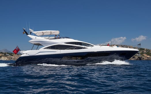 Motor Yacht Seawater underway