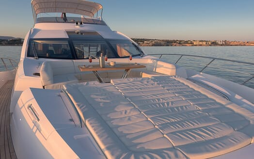 Motor Yacht Seawater foredeck