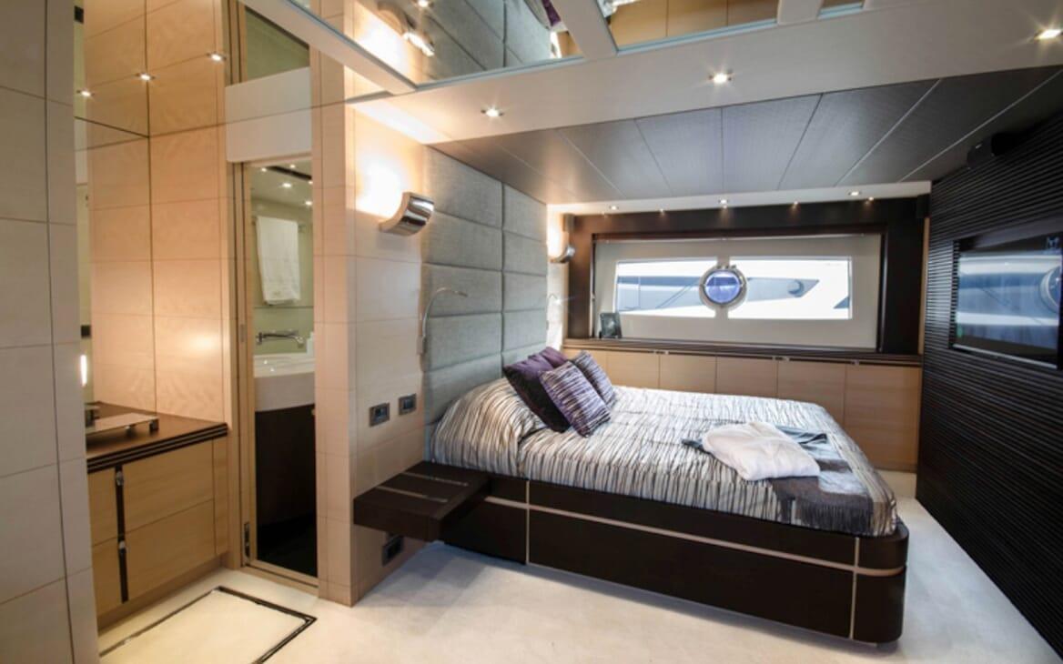 Motor Yacht Seawater master cabin