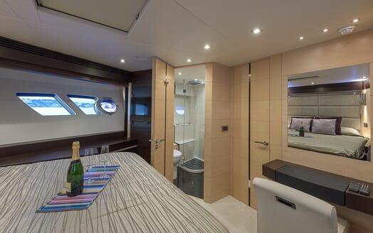 Motor Yacht Seawater stateroom