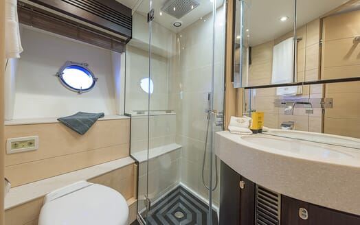 Motor Yacht Seawater washroom