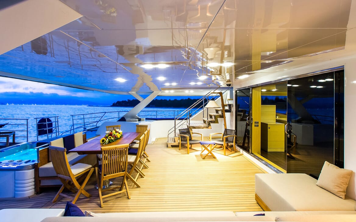 Sailing Yacht HUTIANE Aft Deck