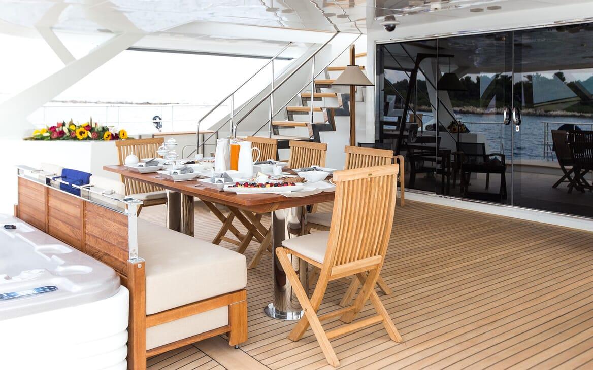 Sailing Yacht HUTIANE Aft Deck Breakfast