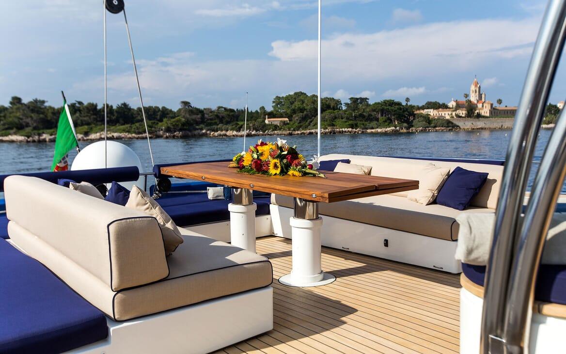 Sailing Yacht HUTIANE Sun Deck Table