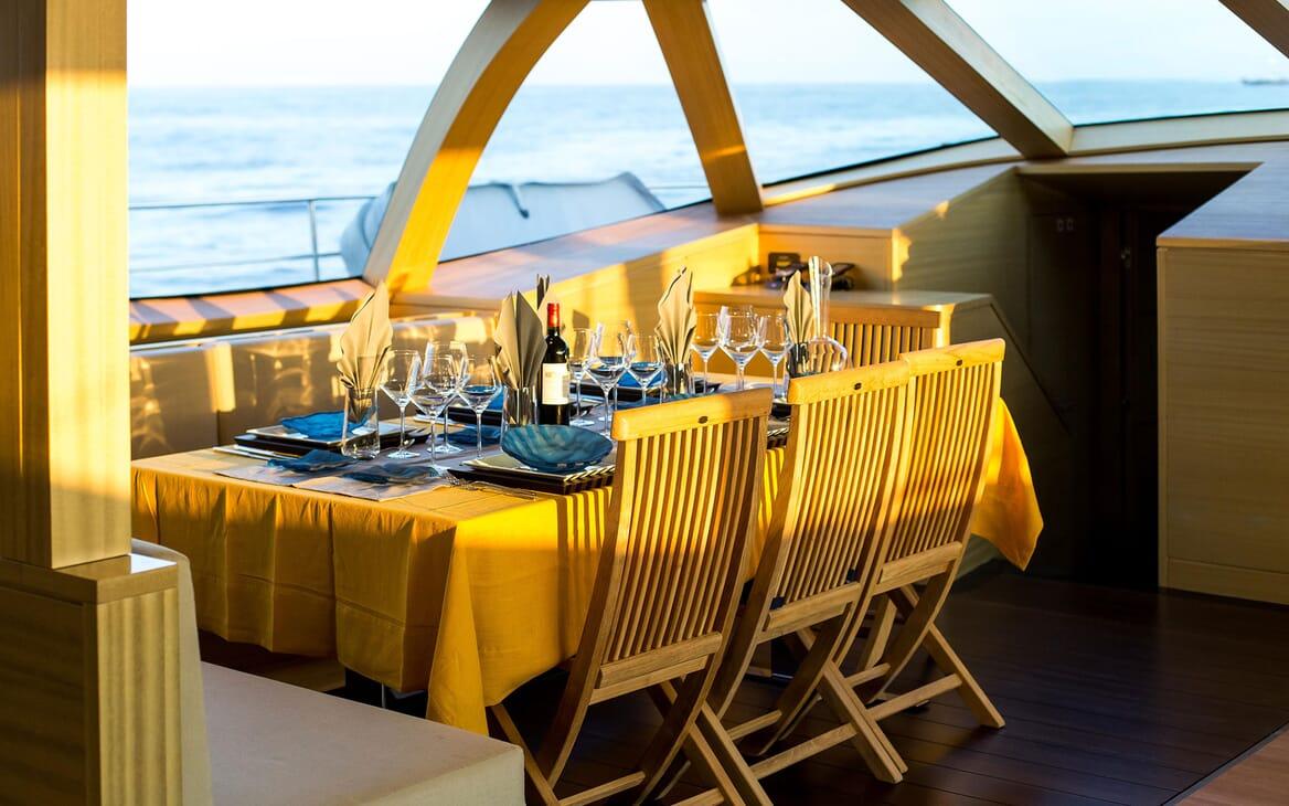 Sailing Yacht HUTIANE DIning Table Close Up