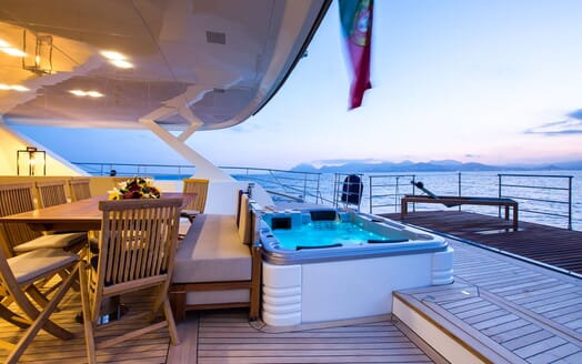 Sailing Yacht HUTIANE Aft Deck Jacuzzi