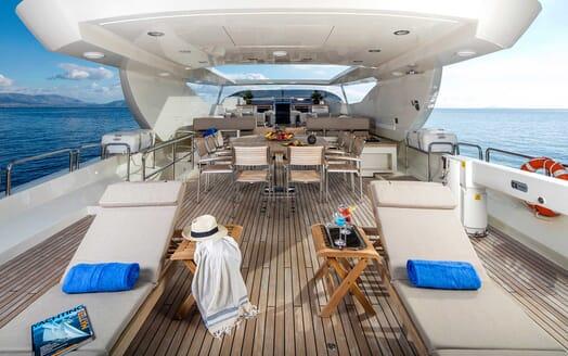 Motor Yacht Rini sundeck