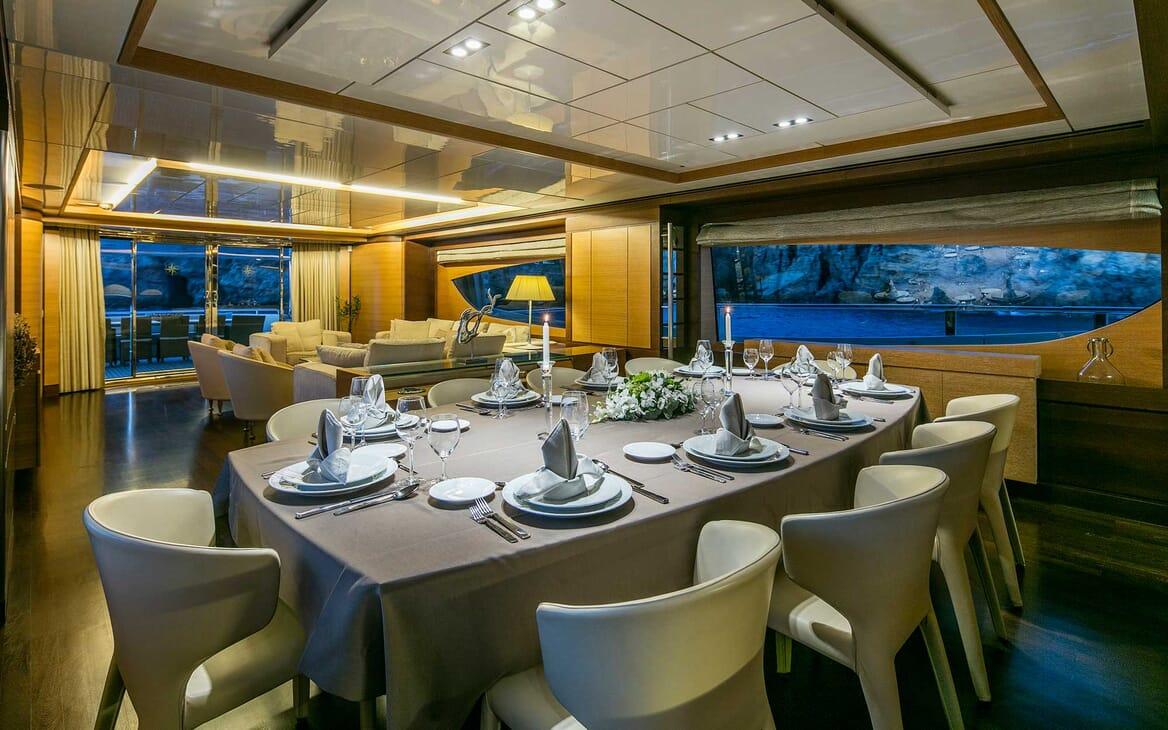 Motor Yacht Rini interior