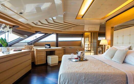 Motor Yacht Rini master cabin