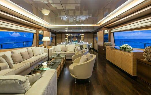 Motor Yacht Rini saloon