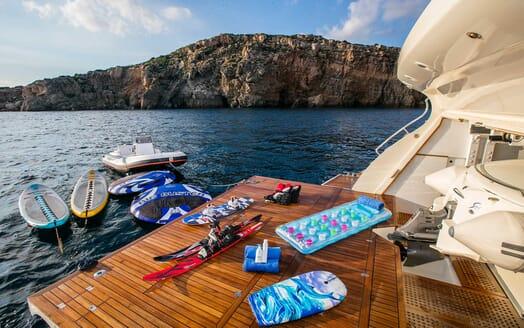 Motor Yacht Rini toys