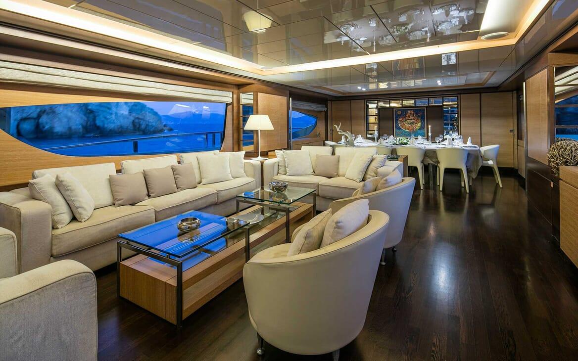 Motor Yacht Rini main saloon