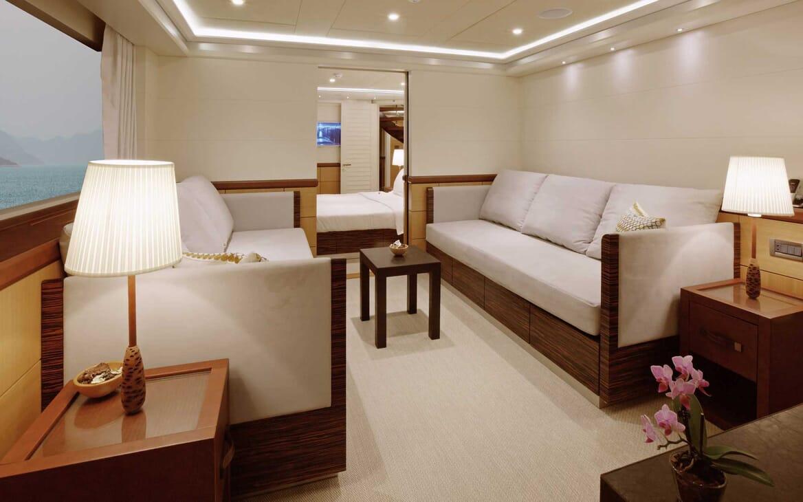 Motor Yacht Quaranta interior