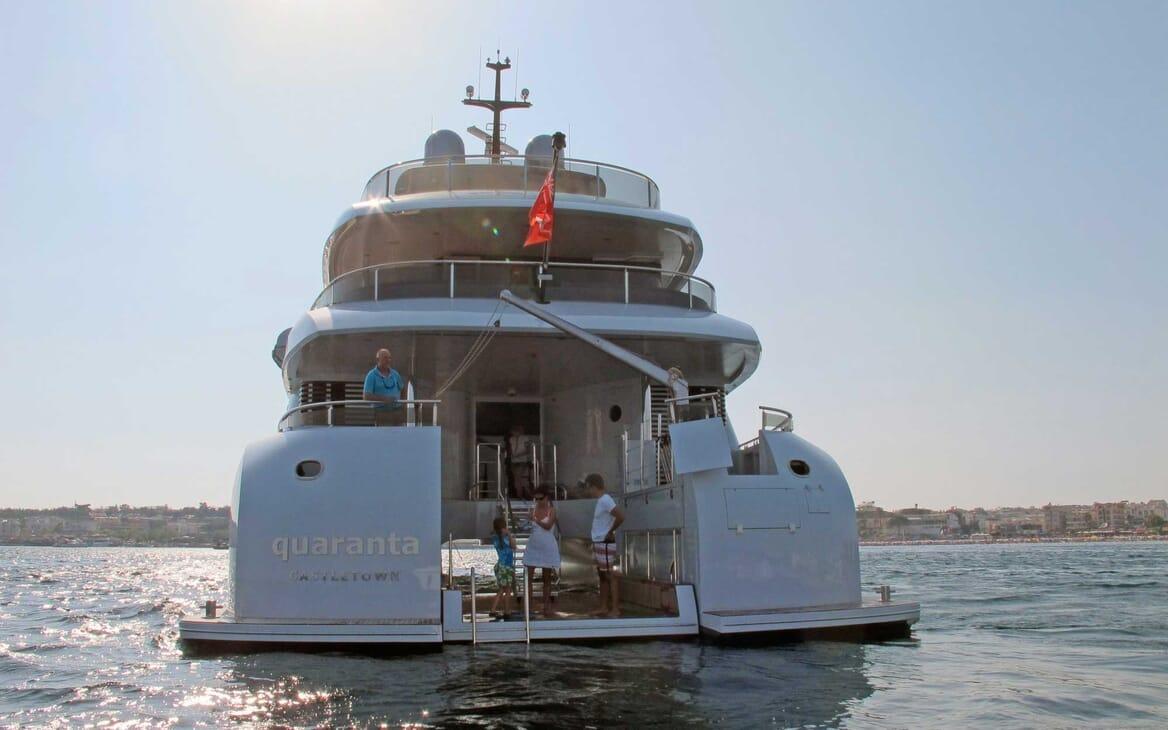 Motor Yacht Quaranta aft