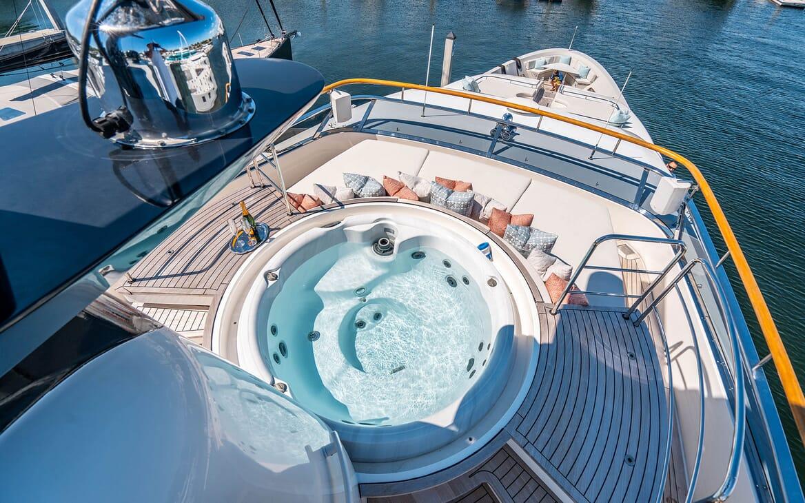 Motor Yacht LOVEBUG Areial Jacuzzi