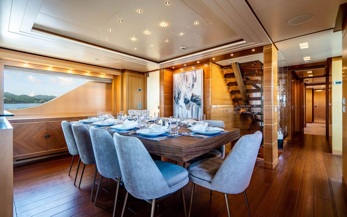 Motor Yacht LOVEBUG Dining Table Set Up