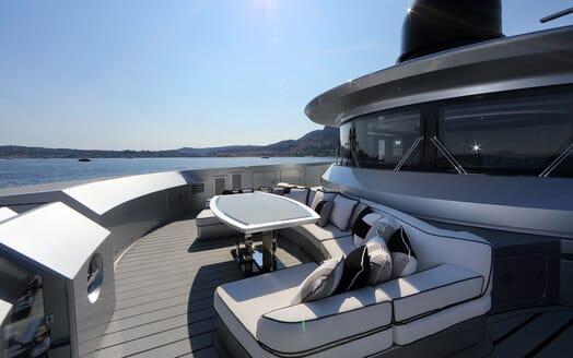 Motor Yacht OKTO Bow Seating