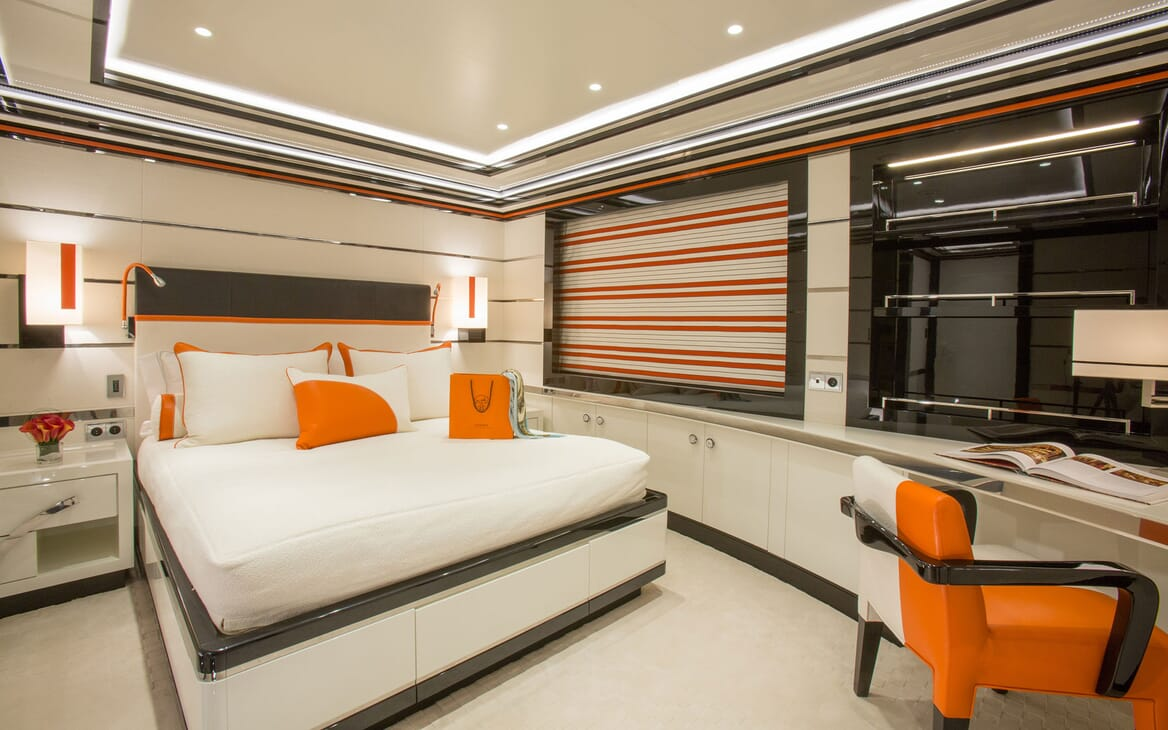 Motor Yacht OKTO Double Stateroom