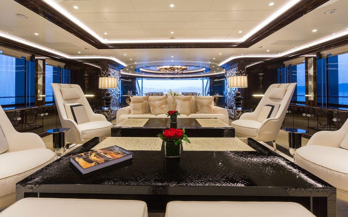 Motor Yacht OKTO Main Saloon