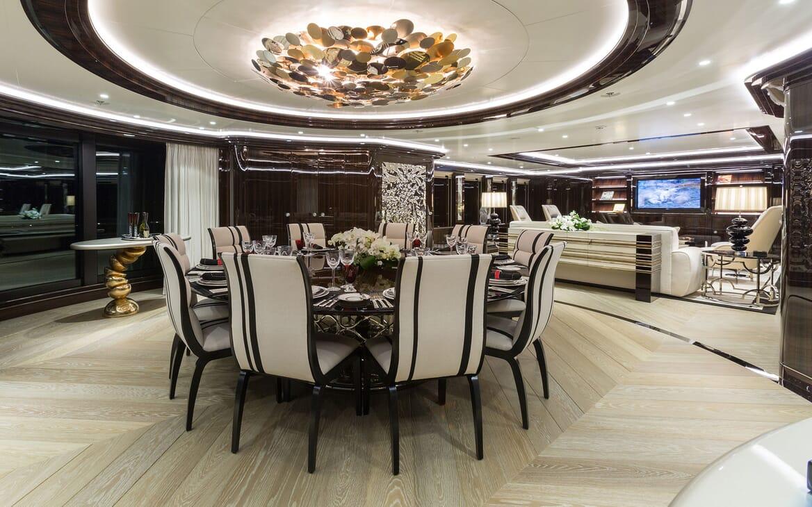 Motor Yacht OKTO Dining Table