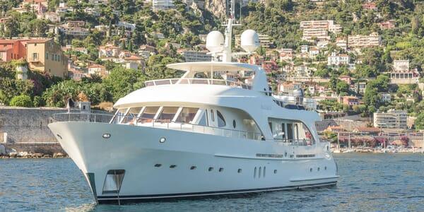 Motor Yacht MAXIMUS Profile