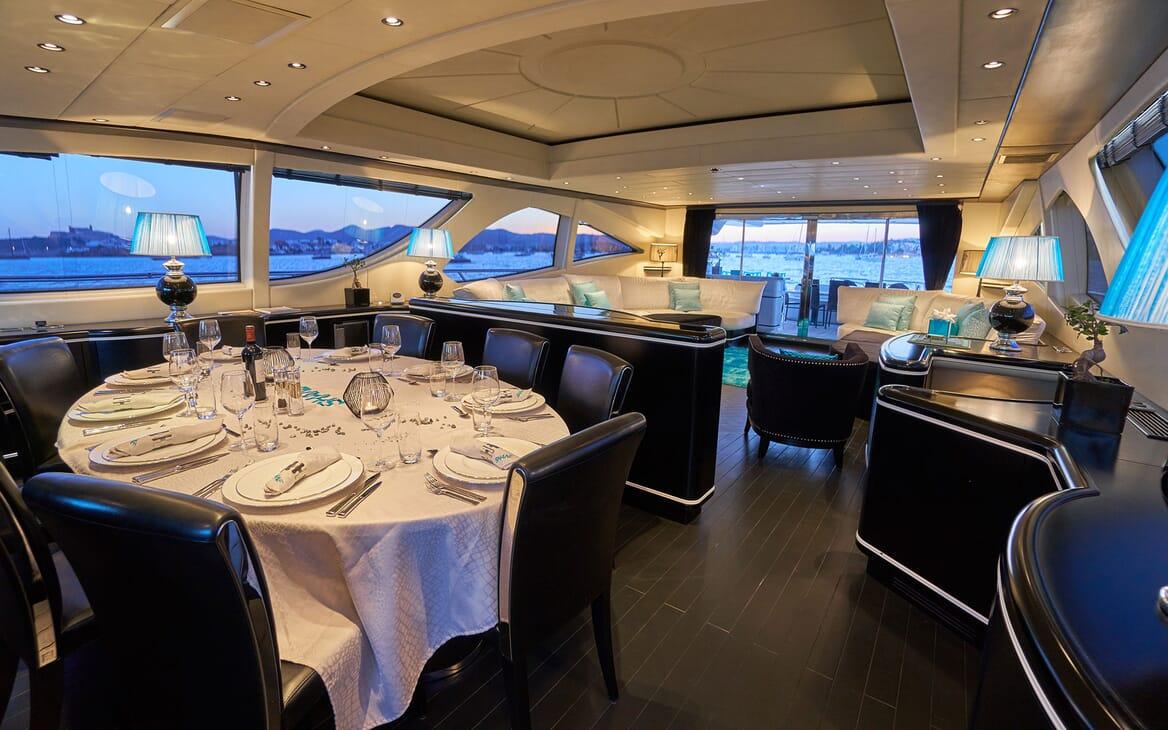 Motor Yacht SHANE Dining Table