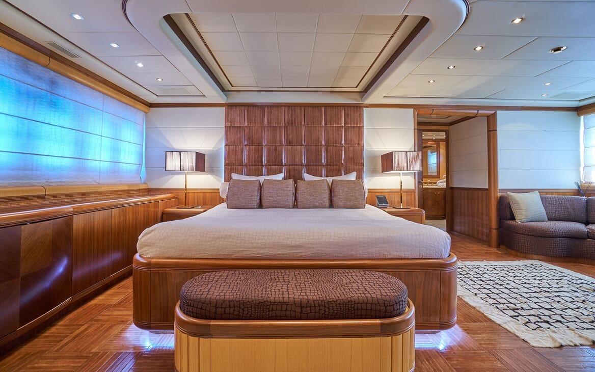 Motor Yacht SHANE Master Stateroom