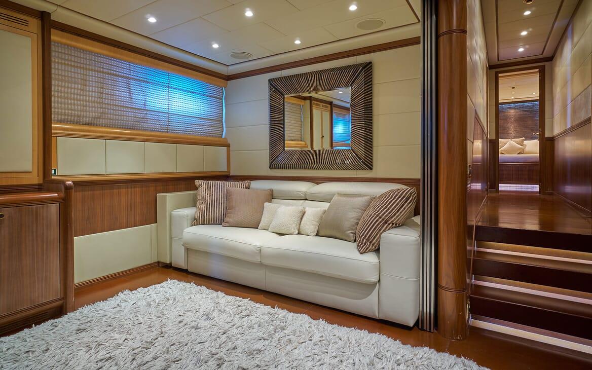 Motor Yacht SHANE Lounge