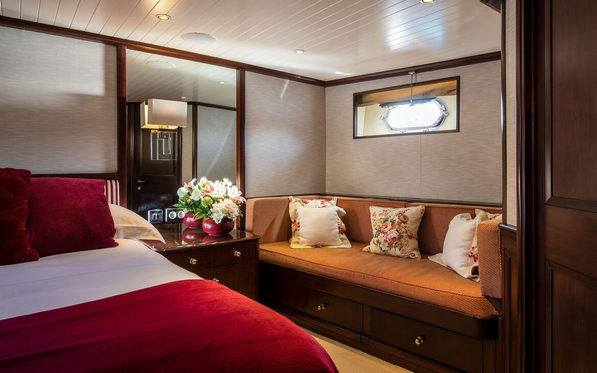 Motor Yacht ODYSSEY III Guest Double Stateroom Detail