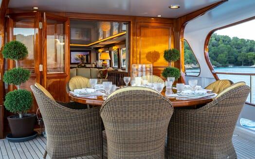 Motor Yacht ODYSSEY III Al Fresco Dining Detail