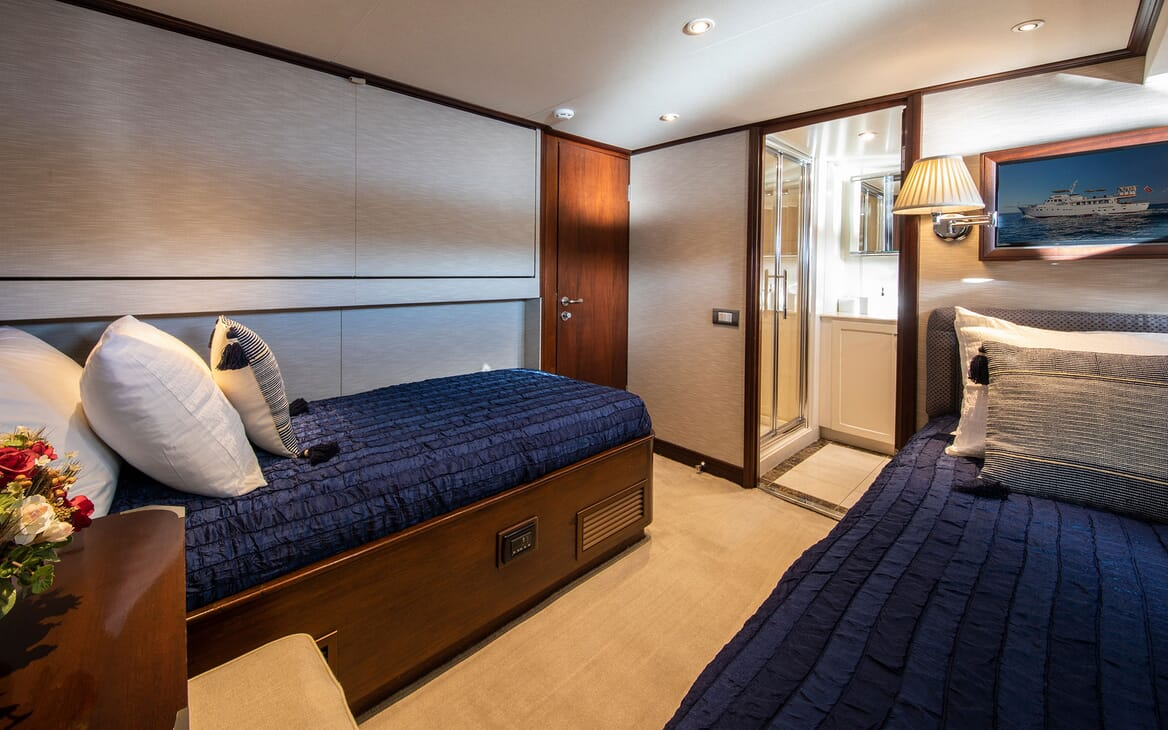 Motor Yacht ODYSSEY III Guest Twin Stateroom